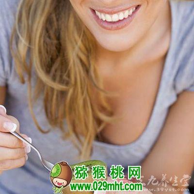 爱吃<a href=http://www.029mht.com target=_blank class=infotextkey>奇异果</a> 别忘嚼嚼籽